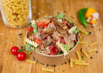 Salade de pâtes la Kebab